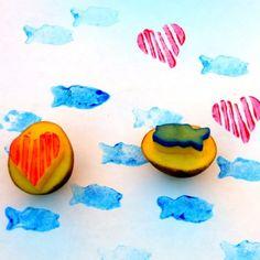 Hacer sellos con patatas es la manera más fácil de estampar con temperas...  #manualidades #niños