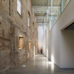 DAOIZ Y VELARDE CULTURAL CENTRE | Rafael de la-Hoz Arquitectos; Photo: Alfonso Quiroga | Archinect