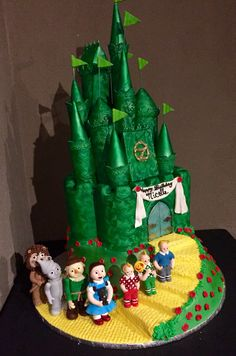 Wizard of Oz Emerald Castle with Characters