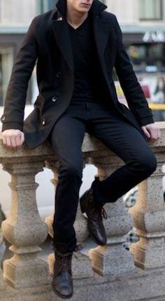 v-neck, skinny jeans and boots