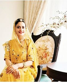 Indian Blouse, Indian Wear, Rajasthani Dress, Rajputi Dress, Hand Work Embroidery, Indian Bridal Fashion, Royal Dresses, Traditional Wedding, Saree Blouse