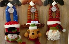Home Decoration - Doorknob Hangers Plastic Christmas Tree, Noel Christmas, Christmas Wreaths, Christmas Decorations, Christmas Ornaments, Christmas Stuff, Doorknob Hangers, Door Knobs, Holiday Crafts