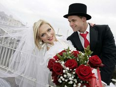 Before your Irish boyfriend puts a ring on it, review IrishCentral's list of  pros and cons of marrying an Irishman.