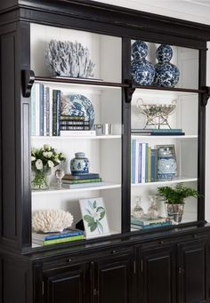 Library Bookcase Styling Shelfie Styling Blue and White Blue White and Green Interior Decorating Interior Styling Interior Design Hamptons Hamptons Style Decorating Bookshelves, Decorate Bookcase, Bookcase Styling, Interior Decorating, Interior Design, Interior Styling, Decorating Tips, Decoration Bedroom, White Decor