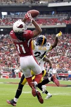 Larry Fitzgerald making the catch!