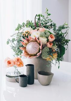 Who doesn't love flowers on Friday? I can't believe I've been buying Lee's creations for over a year now. This was taken on Jan 2016 say whattt? Table Flowers, Pretty Flowers, Flowers Vase, Beautiful Flower Arrangements, Floral Arrangements, Coffee Table Design, Design Your Home, Planting Flowers, Floral Wreath