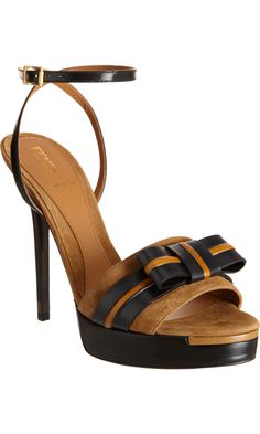 Fendi Bow Platform Sandal - Dark Brown/Black size 7 discovered on Fantasy Shopper Pretty Shoes, Beautiful Shoes, Fendi, Just Keep Walking, All About Shoes, Brown Shoe, Designer Shoes, Me Too Shoes, Fashion Shoes