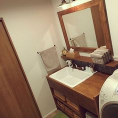 RinさんのBathroom 無印良品 ニトリ セリア 名古屋モザイク TOTO 実験用シンクに関する部屋写真 New Homes, Vanity, Bathroom, House, Nitori, Sinks, Rooms, Vanity Area, Bath Room