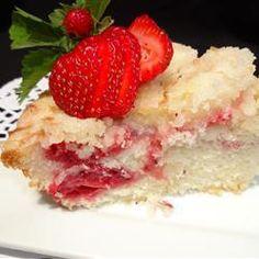 Fresh Strawberry Coffee Cake, photo by Shearone