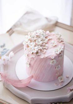 Buttercream Cake Designs, Buttercream Cake Decorating, Buttercream Flower Cake, Elegant Birthday Cakes, Birthday Cake With Flowers, Pretty Birthday Cakes, Gorgeous Cakes, Pretty Cakes, Cute Cakes