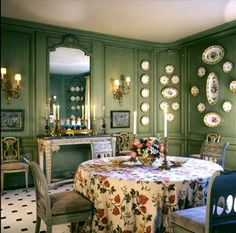 I particularly like this dining room designed by Bunny Williams – it& soft moss green walls lined with a set of china, a table skirted, and beautiful . Green Dining Room, Green Rooms, Dining Rooms, Green Walls, Dining Decor, Dining Area, Dining Table, Enchanted Home, Elegant Dining