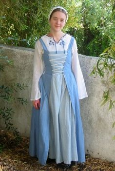 The Flemish Gown - Pennsic Sewing - - Honor Before Victory