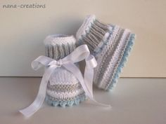 """Chaussons de bébé, laine, tricotés main""""blanc,gris,bleu ciel """" 0/3 mois.  : Mode Bébé par nana-creations"""