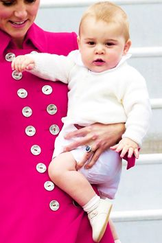 Duchess Catherine and Prince George of Cambridge in Wellington, New Zealand, April 2014. #katemiddleton #princegeorge