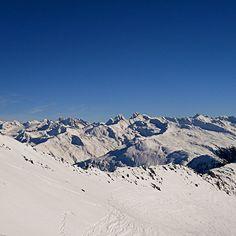 Davos :-) #Schweiz #switzerland #kalt #Berge #wandern #trekking #Nature #unterwegs #entdecken #lifestyle #simple #minimalism #travel #neverstopexploring #adventure #wanderlust #meer #getoutside #photography #Weltreise #me #beautiful #abenteuer #wald #forest #Davos #Berge