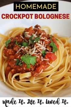 Easy homemade crockpot bolognese can be made to perfection right at home in the crockpot! This is my FAVORITE way to prepare bolognese - SEE SIMPLE STEPS! Cooker Recipes, Crockpot Recipes, Healthy Recipes, Fish Recipes, Ramen Recipes, Cod Recipes, Chickpea Recipes, Lentil Recipes, Cabbage Recipes