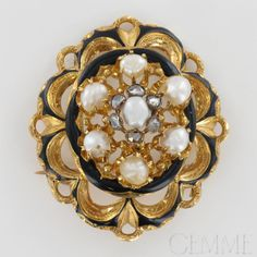 Broche Ancienne Or Jaune Email, Perle Baroque & Diamant taille Rose. Vers 1900.