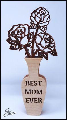 Best Mom Ever Rose Vase Scroll Saw Pattern. - Best Mom Ever Rose Vase Scroll Saw Pattern. Wood Carving Designs, Wood Carving Patterns, Wood Patterns, Flower Patterns, Kirigami, Best Scroll Saw, Simple Wood Carving, Scroll Saw Patterns Free, Intarsia Patterns