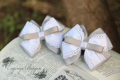 Baby crafts to make and sell ribbons Ideas for 2019 Flower Hair Bows, Diy Hair Bows, Diy Bow, Ribbon Hair, Ribbon Bows, Ribbons, Baby Crafts To Make, Baby Hair Clips, Baby Clothes Patterns