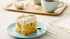 Luscious Mandarin Orange Cake Its cool its creamy its moist and its easy to have on hand because it stores in the fridge. Theres no denying the popularity of this orange-flavored cake with the creamy pineapple frosting. Easy Desserts, Delicious Desserts, Dessert Recipes, Frosting Recipes, Yummy Food, Pineapple Frosting, Pineapple Cake, Best Cake Recipes, Gf Recipes