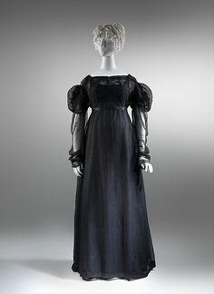 ca. 1820, vermutlich Abendkleid in Trauer, aus Seide, Großbritannien