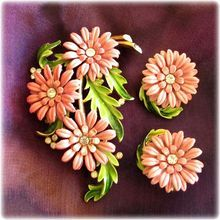 Crown Trifari Pink Cornflower Pin and Earrings Set - Advertisement Piece