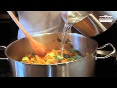 Ribollita toscana Learn To Cook, Antipasto, Cooking Classes, Wok, Soups, Good Food, Healthy Eating, Meals, Dining