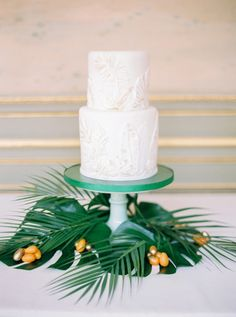 15 years of beautiful and delicious wedding cakes from Martha Stewart Weddings. Cupcakes, Cupcake Torte, Textured Wedding Cakes, Beautiful Wedding Cakes, Perfect Wedding, Beautiful Cakes, Sugar Decorations For Cakes, Wedding Decorations, Wedding Ideas