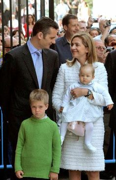 16 Apr 2006, Palma de Mallorca, Mallorca, Spain --- HRH The Infanta Cristina and HE The Duke of Palma (Spain's King Juan Carlos' younger daughter and her husband) with their children Juan and Irene Urdangarín attending the Easter Mass at the Palma de Mallorca's cathedral.