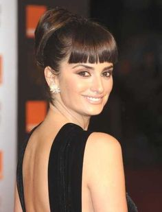 Penelope Cruzs high updo hairstyle