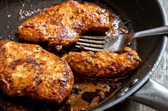 A tangy sweet grilled chicken packed with bright flavors. Chicken breasts are bathed in a honey, lime and garlic marinade, then seared on the stovetop. Ideal for a dinner, served with lemon-parsley…