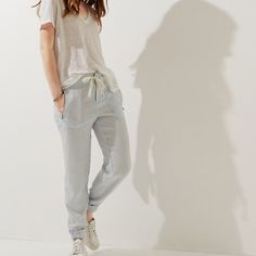 ⚡️SALE⚡️Lou & Grey Linen Zip Pocket Joggers I love this. Very comfy joggers! It's sad that it's a little big for me. I have it in white. Material is 100% Linen. Features 2 zip pockets and a drawstring in front. First 3 photos not mine. Very new. No defects. LOFT Pants