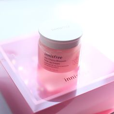 Innisfree – B K I D Innisfree, Tone It Up, Skincare, Makeup, Food, Fashion, Korean Makeup Look, Make Up, Moda