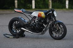 Jaw Dropper: A gnarly Honda CB900F from the 80s given the modern cafe racer treatment.