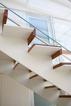 The Next Level: 14 Stair Railings to Elevate Your Home Design New staircase railing contractor exclusive on homesaholic home decor Staircase Railings, Modern Staircase, Staircase Design, Interior Stairs, Interior Design Living Room, Contemporary Stairs, Steel Stairs, Stair Detail, Stairs Architecture