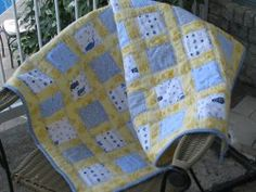 Easy Flannel Baby Quilt tutorial by Marisa Garcia from Passion et Couture. This baby quilt is cute and cuddly for boys and girls!