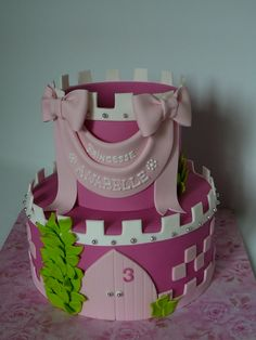 Princess Castle I made this cake for Princess Anabelle, 3 years old. The cake is vanilla with buttercream and fresh strawberry filling. Fresh Strawberry Cake, Strawberry Filling, Cupcakes, Cupcake Cakes, Sleeping Beauty Cake, Princess Castle, Princess Cakes, Princess Party, Girly Cakes