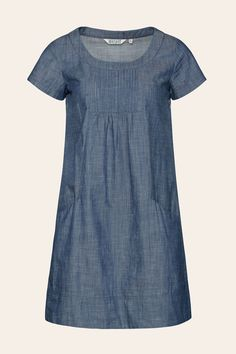 The Seasalt Hermit's Hut Dress is relaxed fit chambray dress that will take you anywhere. It falls just above the knee, with short sleeves and generous pockets. Jeans, Straight Dress, Chambray Dress, Stylish Dresses, Clothing Patterns, Clothing Ideas, Cotton Dresses, Pretty Dresses, New Dress
