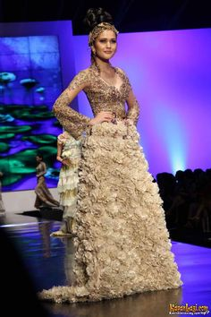Anne Avantie Collections in Indonesia Fashion Week 2012 • Di Nozze