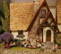 Storybook cottage in 1:48 scale by Rosemary Shipman. Exhibited at the Spring…