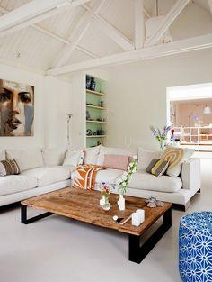 Keltainen talo rannalla: Koteja ja terasseja