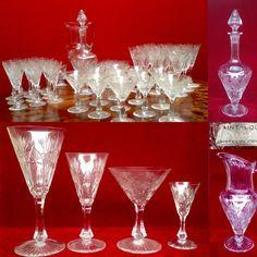 verres ciselé en cristal de Saint Louis,  45 pièces , model NIEPCE, taille 7786 , catalogue 1930 , planche 42  . XX siècle .