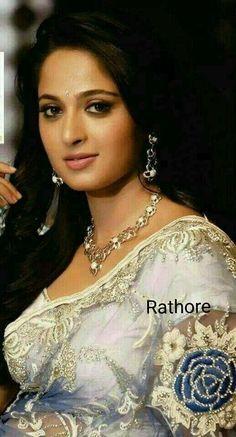 Beautiful Girl Indian, Most Beautiful Indian Actress, Beautiful Gorgeous, Beautiful Saree, Beautiful Actresses, Beautiful Women, Beautiful Children, Anushka Shetty Saree, Deepika Padukone