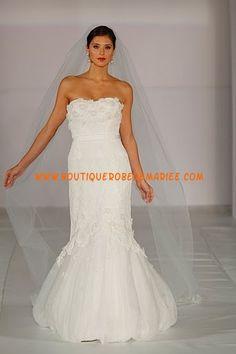 Robe de mariée sirène en organza ornée d'applique de fleurs