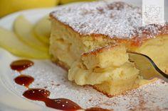 Moelleux di mele, una torta di mele morbida, umida e cremosa grazie al fondente di mele all'interno, ideale come dessert o ricca merenda insieme a gelato.