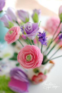DIY paper flowers - pink paper ranunculus.