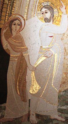 Magdalena amb  Crist resucitat detall del mosaic del  PARE RUPNIK: IGLESIA DE LOS SANTOS PRIMO Y FELICIANO EN VRHPOLJE ESLOVENIA.