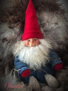 Elf On The Shelf, Christmas Ornaments, Holiday Decor, Home Decor, Decoration Home, Room Decor, Christmas Jewelry, Christmas Baubles, Christmas Decorations