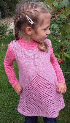 Cherry Chip Tunic Knitting pattern by Taiga Hilliard Designs