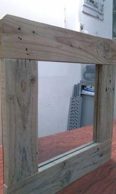 Espejo cuadrado con marco de madera de palet elpuntoylai.es
